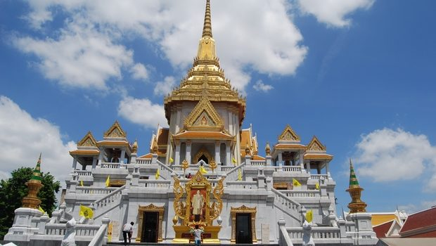 Temple of the Golden Buddha (Wat Traimit) - goBangkok.asia